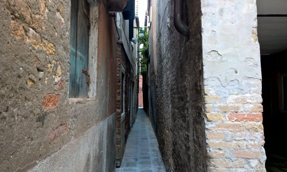 Looking For The Narrowest Quot Calle Quot Inside Venice